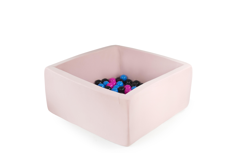 Misioo boldbassin - Rosa - Firkantet 90x90x40 inkl. 250 bolde - Firkantet rosa boldbassin i stof 90*90*40 inkl. 250 boldeBEMÆRK: DER KAN VÆRE OP TIL 2-4 UGERS LEVERINGSTID PÅ ENKELTE FARVER OG VARIANTER, SOM IKKE ER PÅ LAGERDette fantastiske boldbassin fra Misioo er et hvert barns drøm, samtidig med at den vil passe