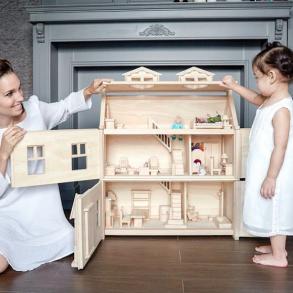 Dukkehuse og div. dukkemøbler
